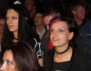 Judith mit Freundin