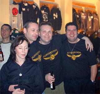 Fräulein Kerstin von der Pressestelle mit Chef, Michael und Christian