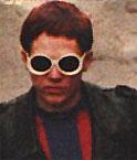 Kai mit einer Sonnenbrille der etwas anderen Art